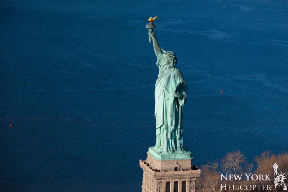 helicopter tours new york with Galeria De Fotos on Statue Of Liberty as well Attraction Review G60763 D1829524 Reviews Manhattan Helicopters New York City New York besides New York Yankees Tickets together with National 911 Memorial New York moreover Land Sea Nyc.